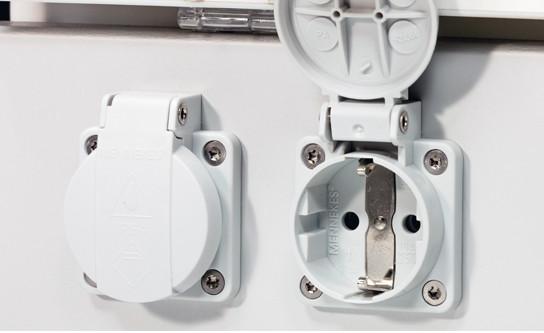 Steckdose(n) 2 Stk. 230 V (IP54) für GAP mit Tiefe 750/850 mm und Sockel/Medienkanal